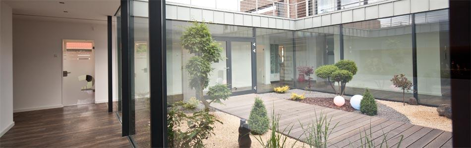 Ein Blick auf das Atrium der VasiClinic von Innen